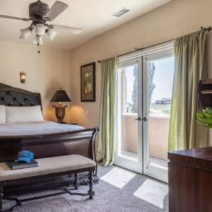 Double occupancy (2 people, 1 bed, 1 room)